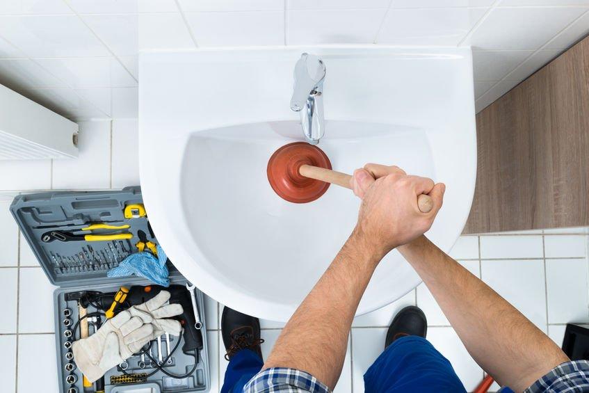 phoenix plumber unclogging sink